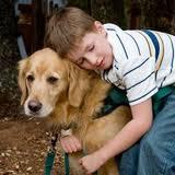 grazie alla presenza dei cani l'aggressitività di alcuni bambini è calata notevolmente e sono aumentati i sorrisi.